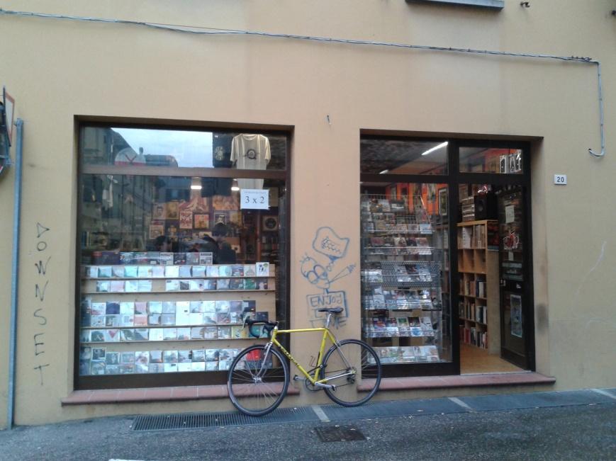 Vai nei negozi di dischi. Rev Up, Cesena (da Oscar)