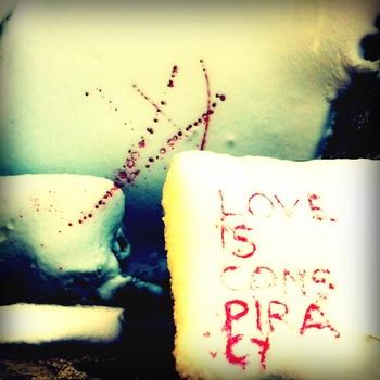 Love Is A Conspirancy degli Auden (V4V Records)